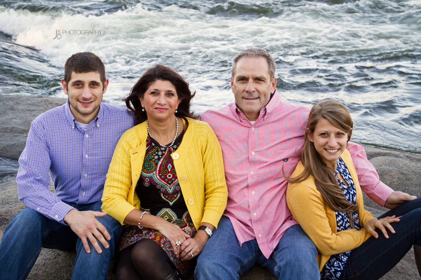 RichmondFamilyPortraitsontheJamesRiver