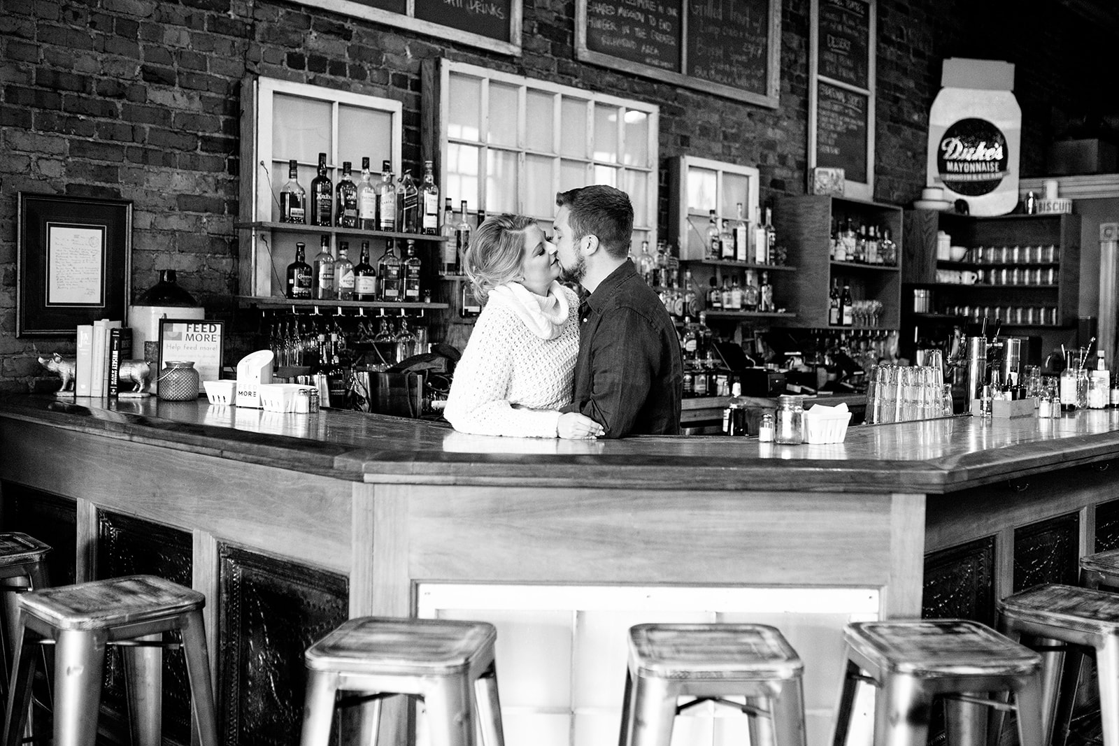 Claire  Ryans Comfort Restaurant and Maymont Engagement Shoot - Image Property of www.j-dphoto.com