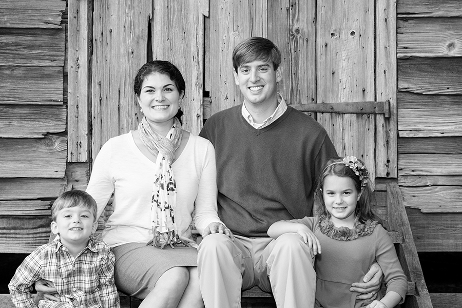 Family Photo Session with the Comstock Family - Image Property of www.j-dphoto.com