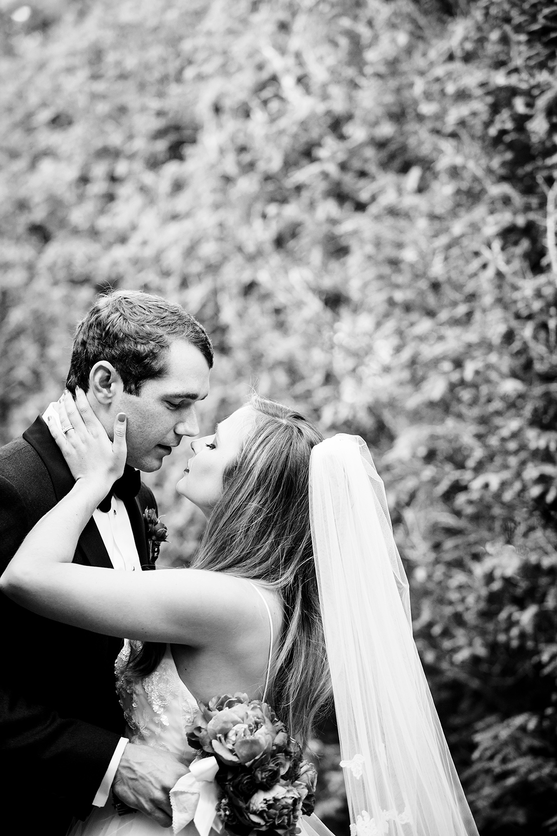 Wedding Preview  Caroline  Sam - Image Property of www.j-dphoto.com