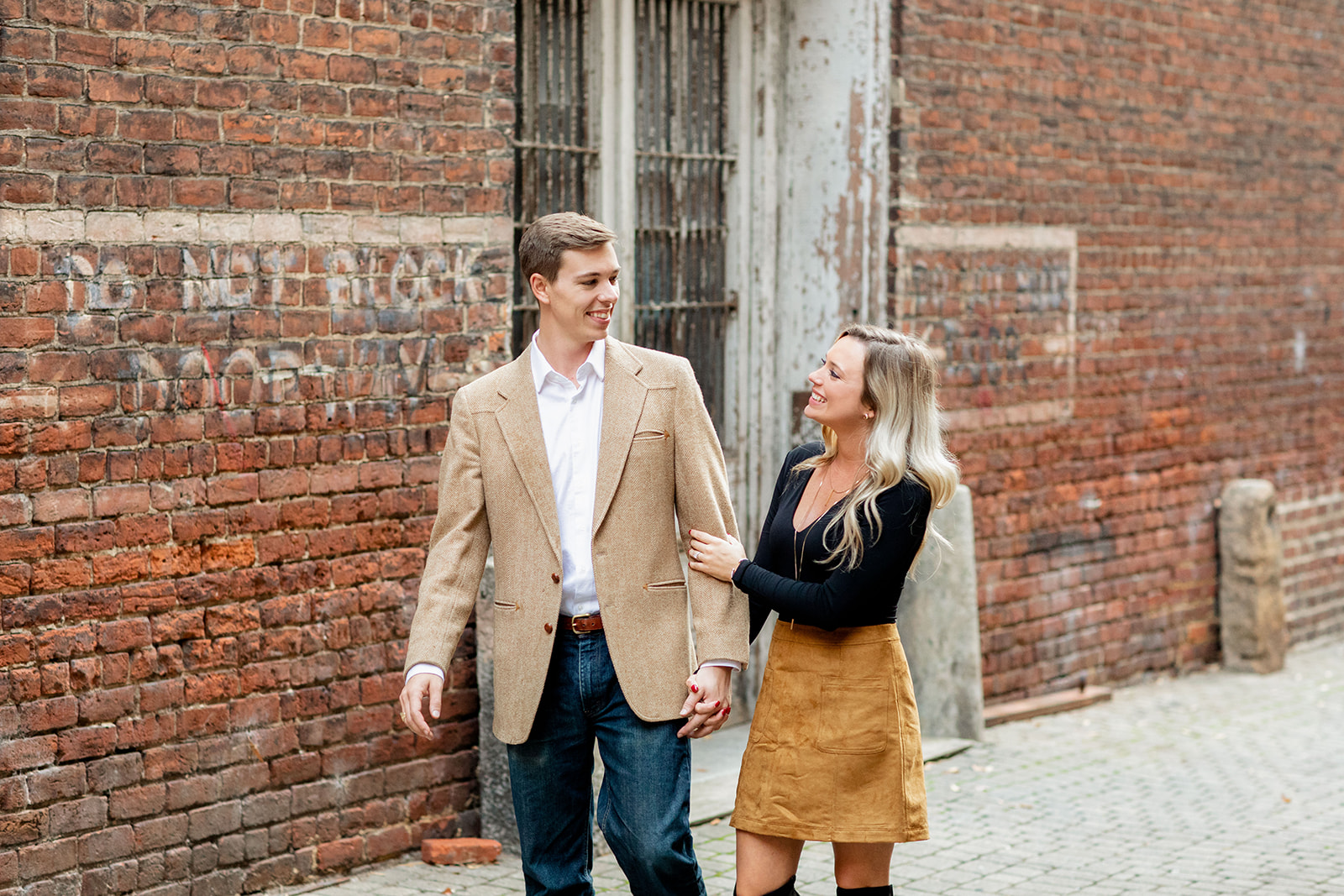 Ally  Austins Maymont and Tobacco Company Engagement Shoot - Image Property of www.j-dphoto.com