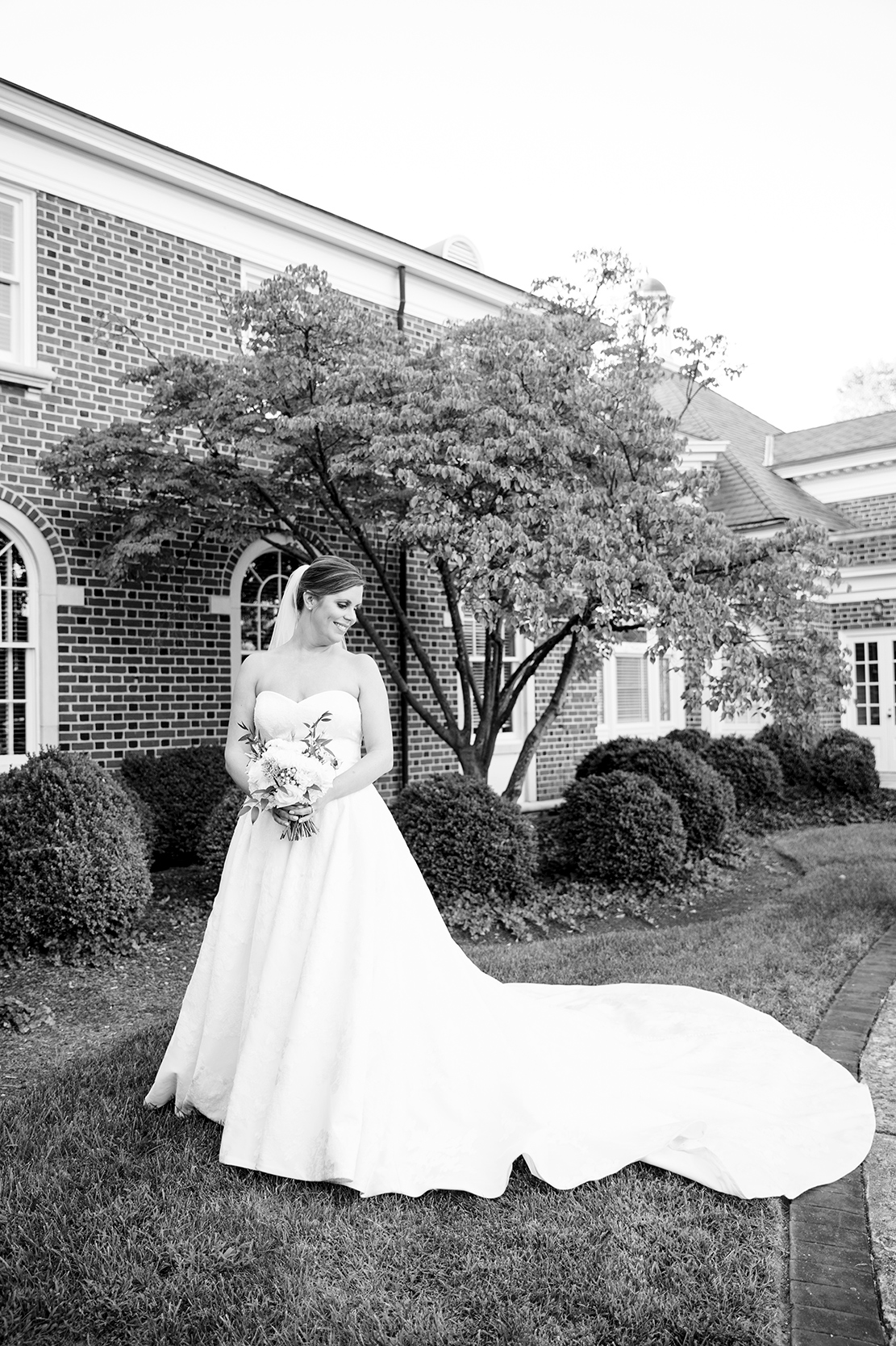 Beth  Blakleys Wedding at The Boonsboro Country Club - Image Property of www.j-dphoto.com