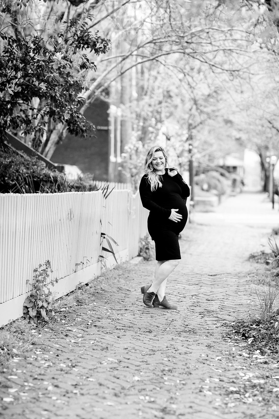 Casual Lifestyle Maternity Photos in Church Hill - Image Property of www.j-dphoto.com