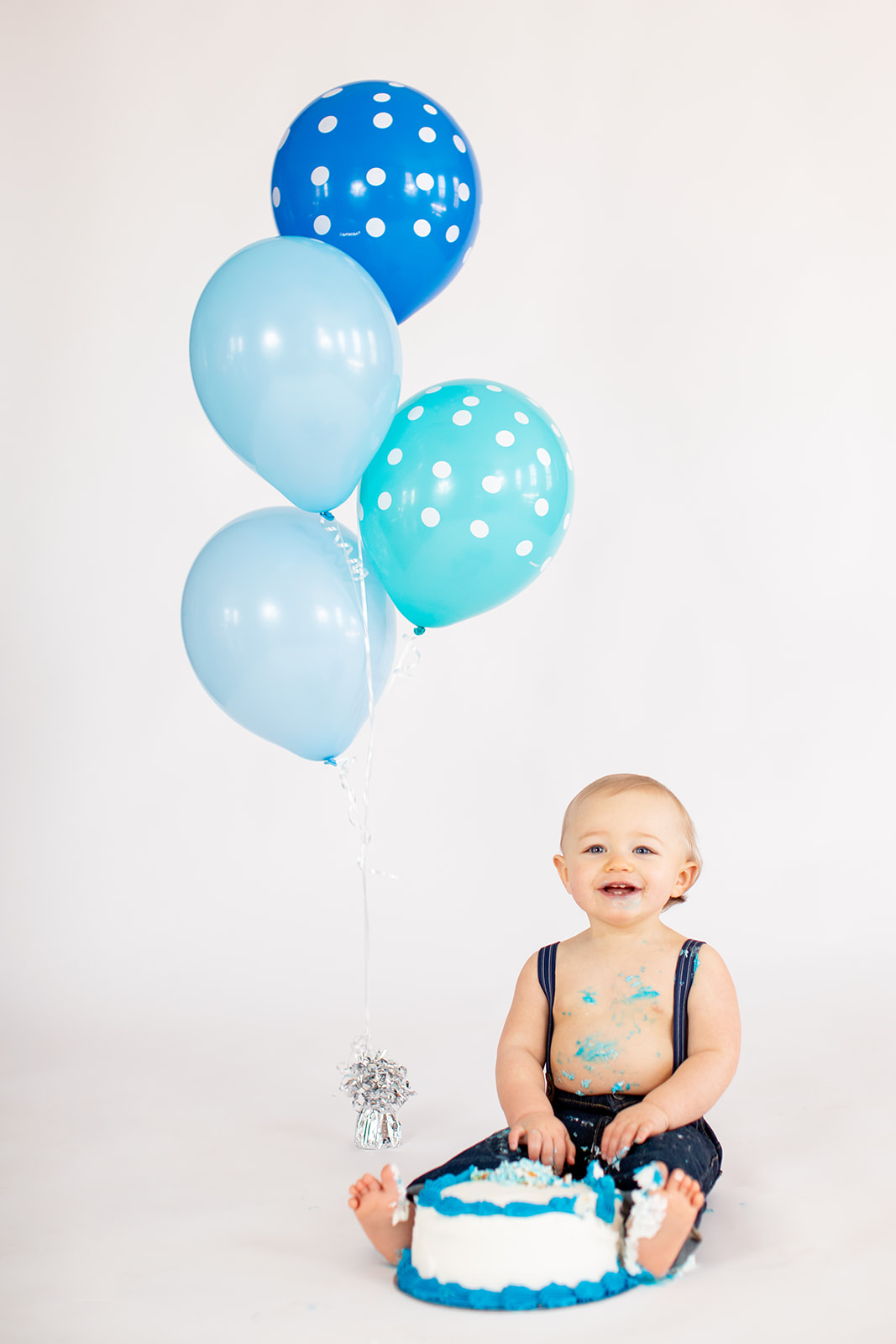 One Year Old Baby Boy Cake Smash  - Image Property of www.j-dphoto.com
