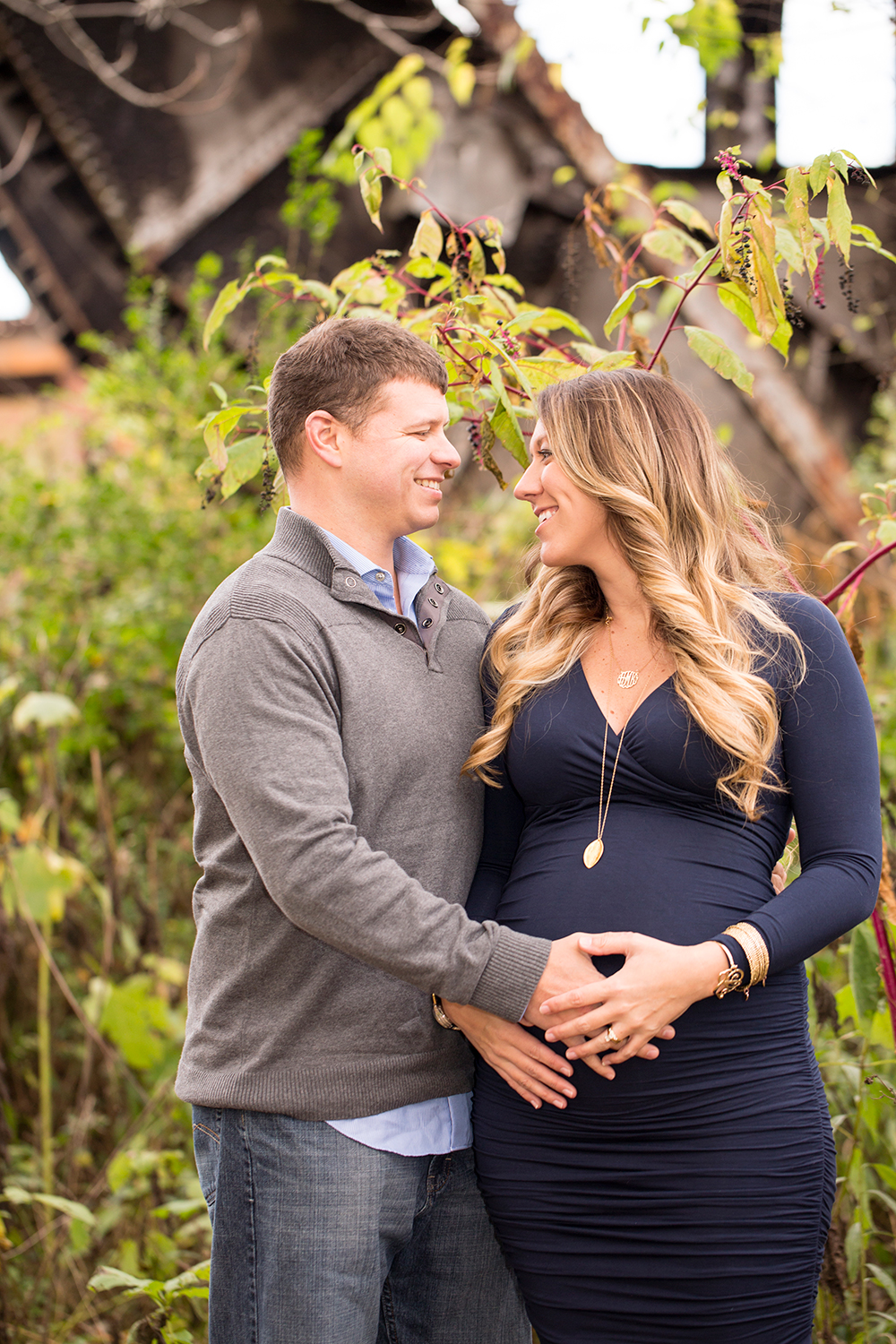 Fall Maternity Photos at Great Shiplock Park - Image Property of www.j-dphoto.com