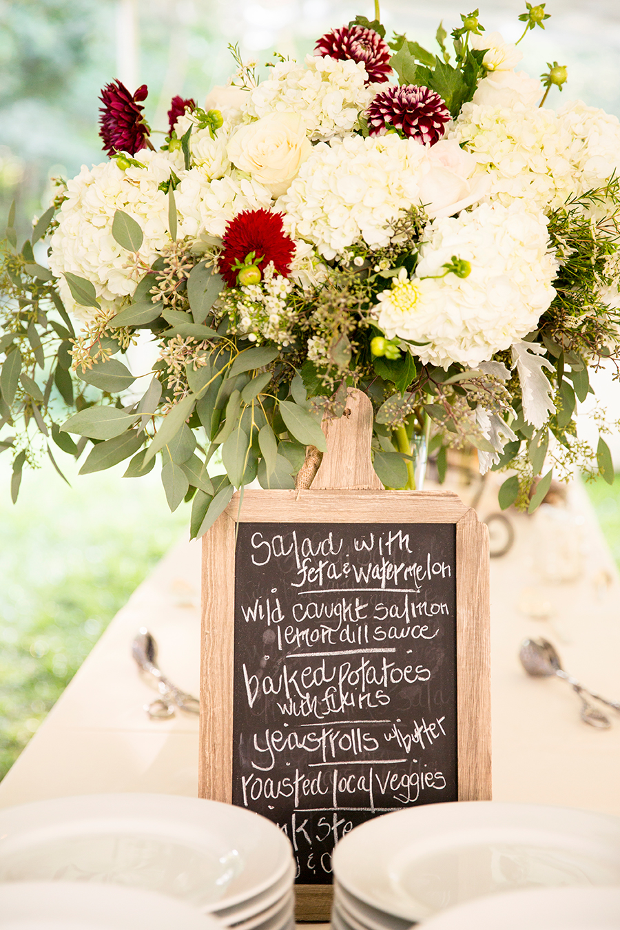 How to Plan a Blog Worthy Wedding on a Budget - Image Property of www.j-dphoto.com