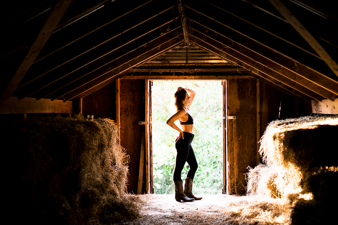 Outdoor Boudoir Shoot on Horse Farm Goochland Virginia - Image Property of www.j-dphoto.com