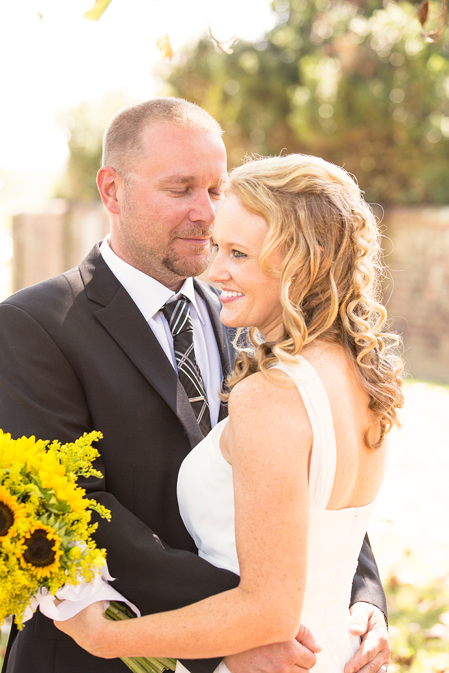 Fall Elopement At The Historic Hanover Court House J Amp D