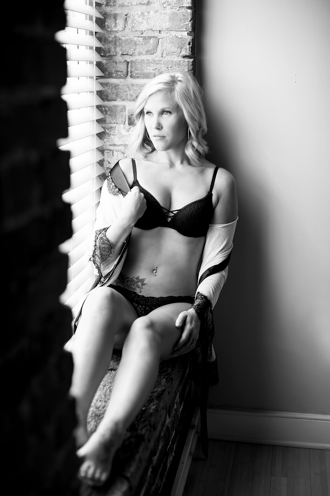 Best Friends do a Boudoir Shoot Together - Image Property of www.j-dphoto.com